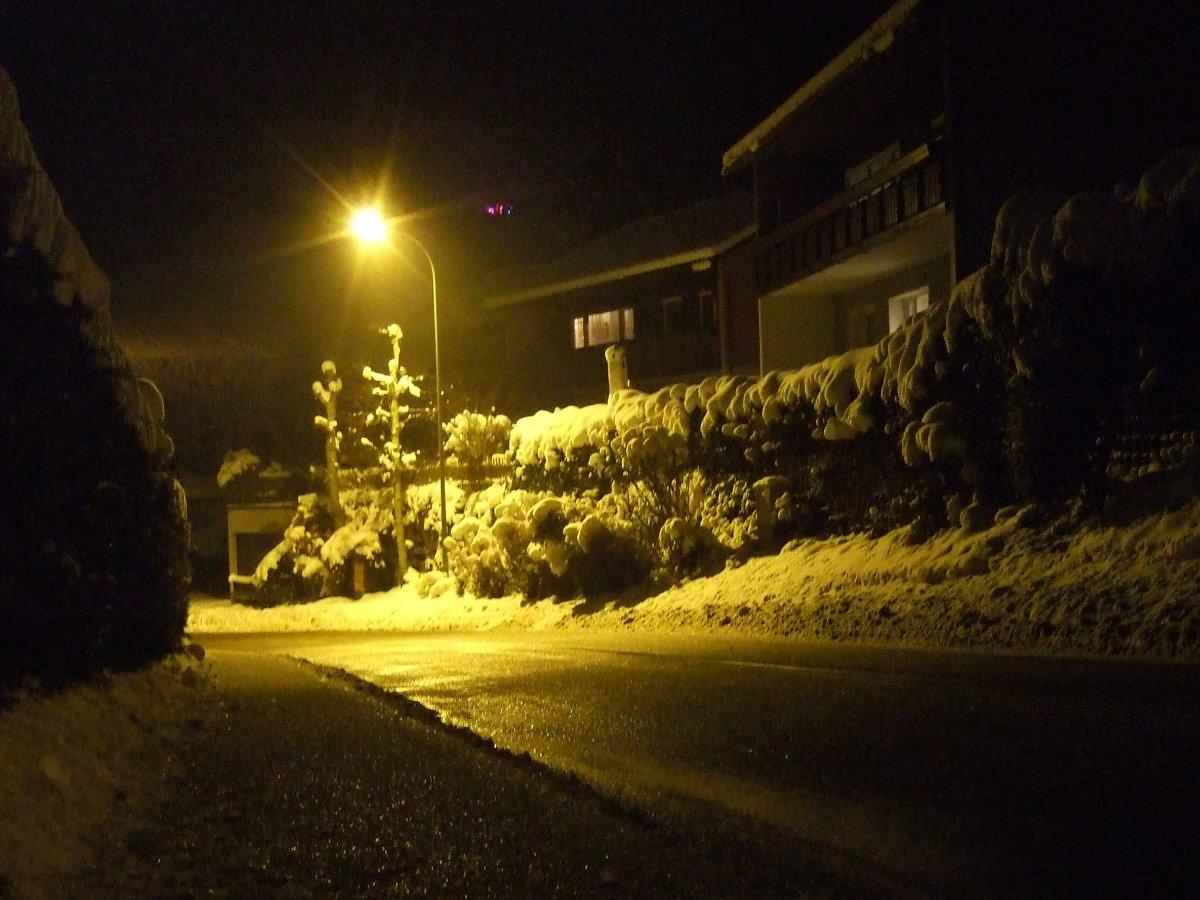 Mogelsberg mit Eisregen und Schneemassen.