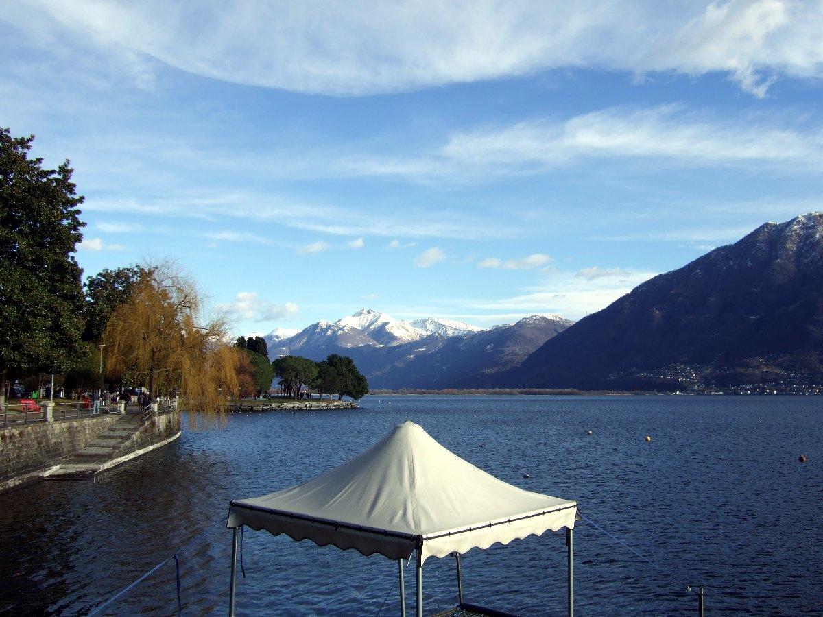 Nordufer vom Lago Maggiore, Blick Richtung Nordosten.