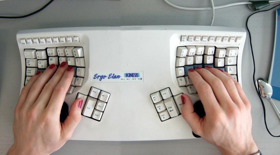 20130206-kinesis-ergo-elan-fingernaegel