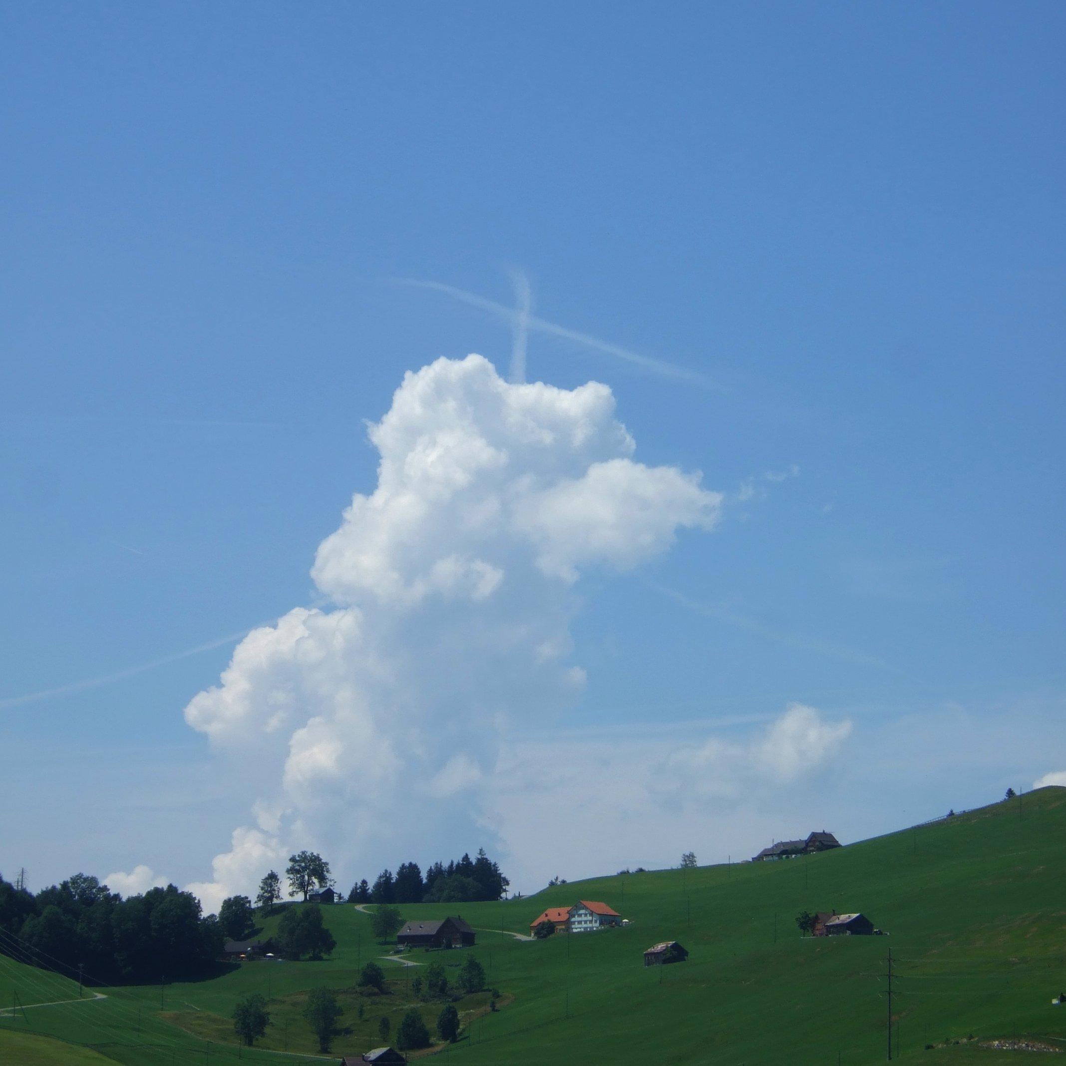20130727-barfussweg-wolkenkreuz