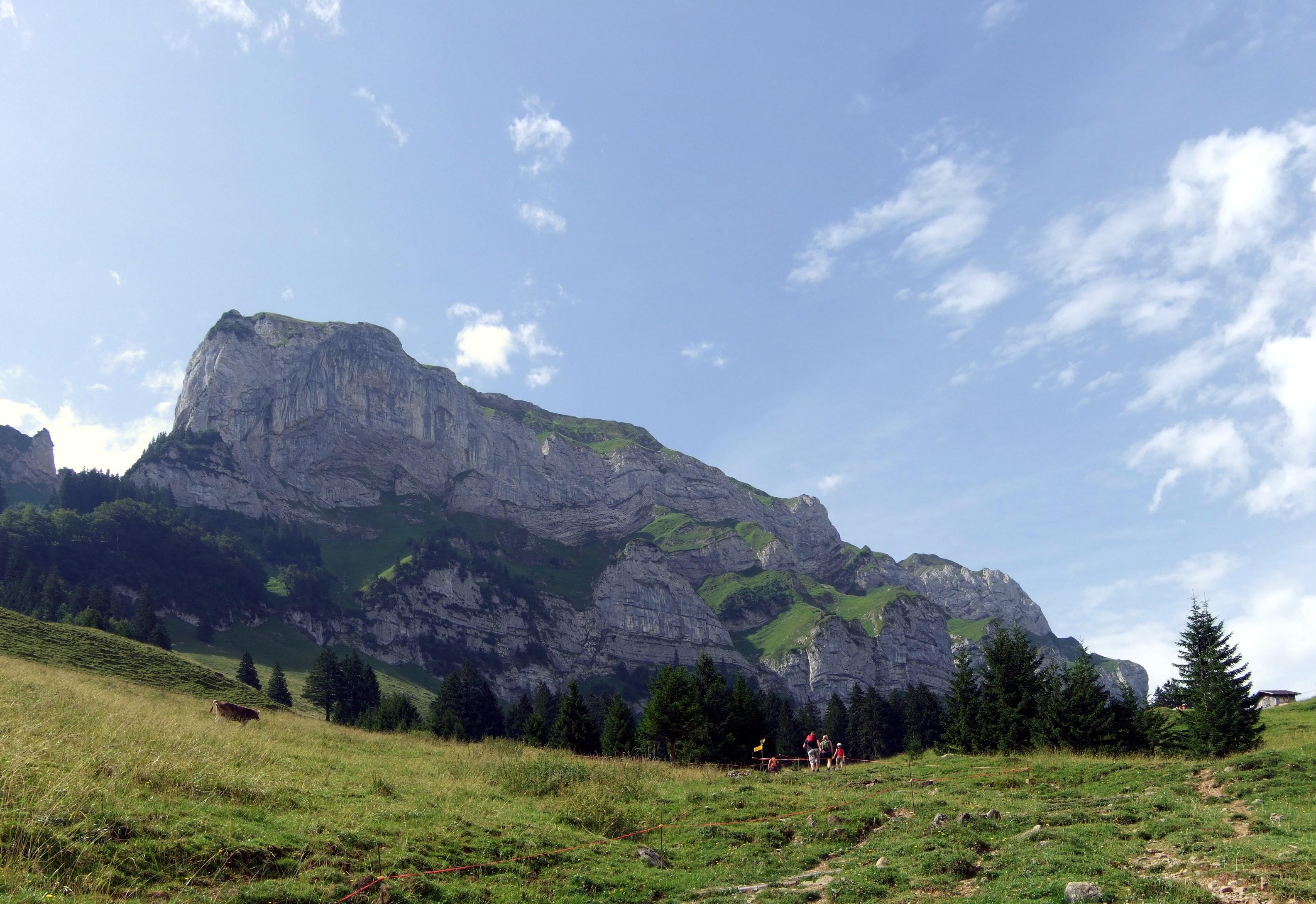 Eins der herumstehenden Gebirgsmassive. Könnte der Alpstein sein.