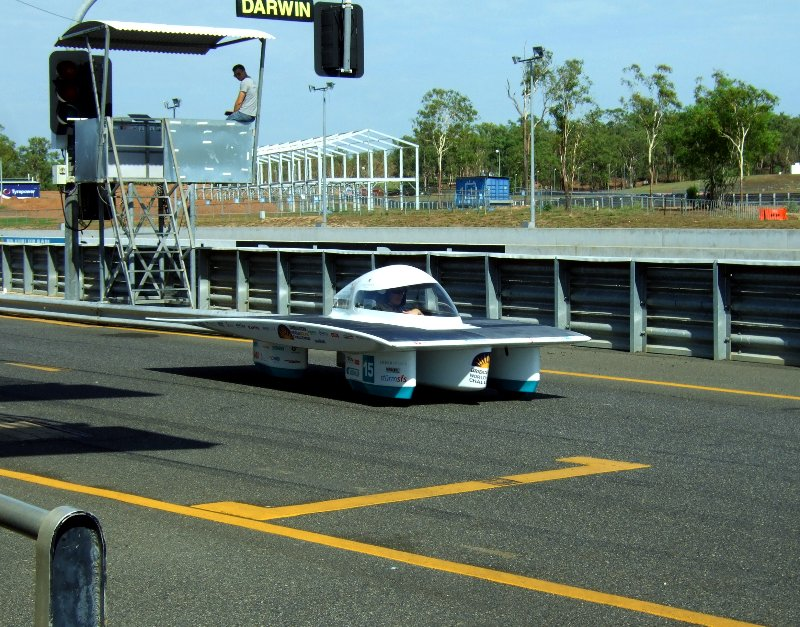 SER-2 bei der Einfahrt auf die Rennstrecke.