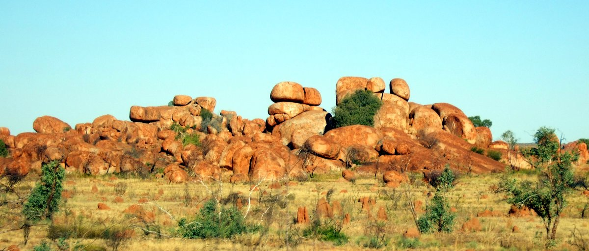 Devil's Marbles in der Nachmittagssonne.