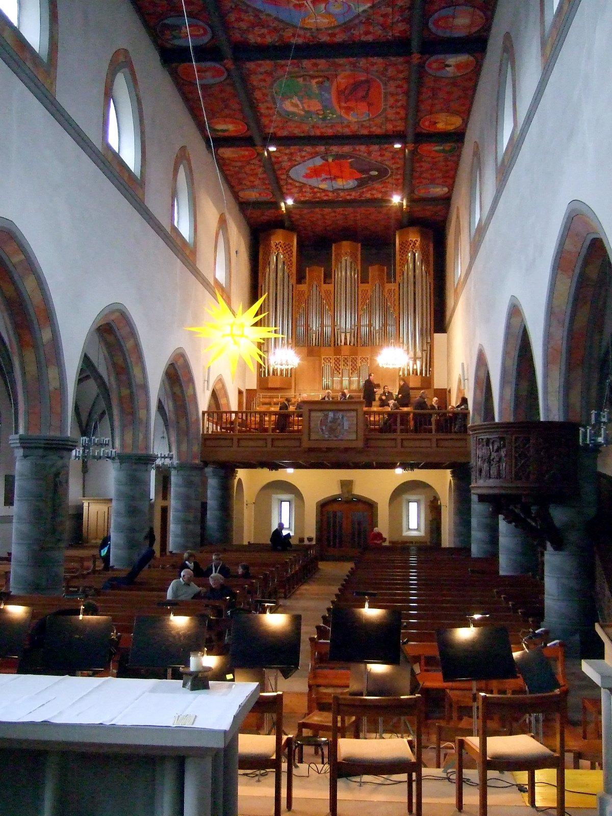 St. Nikolaus von innen vorm Konzert