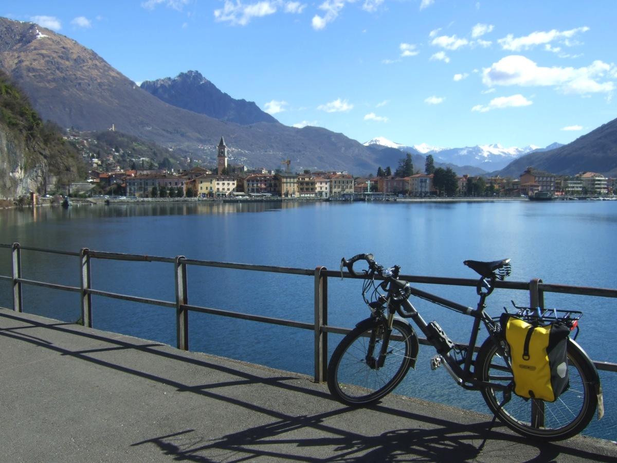 Porlezza an einem der Enden des Lago di Lugano.
