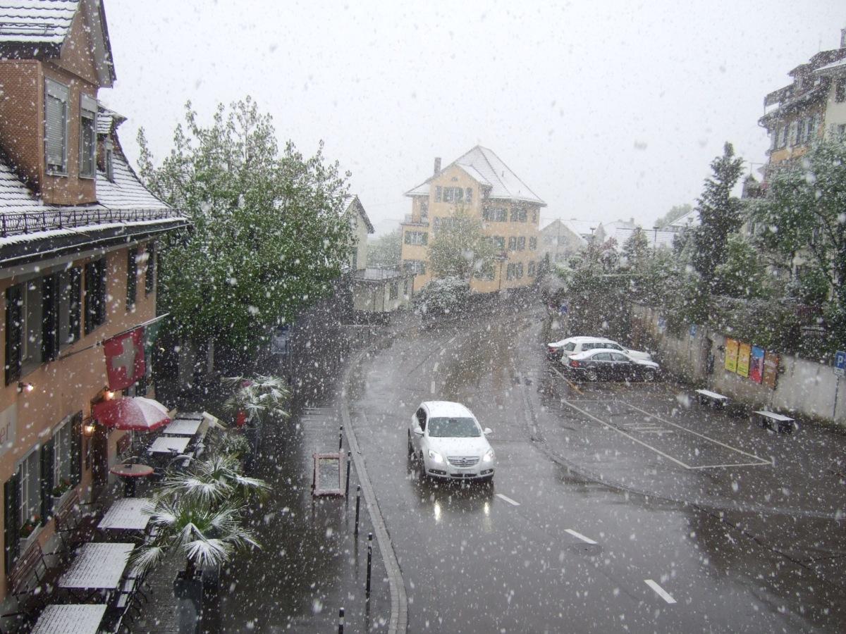 Schnee am 18.04.2014 in Wil SG