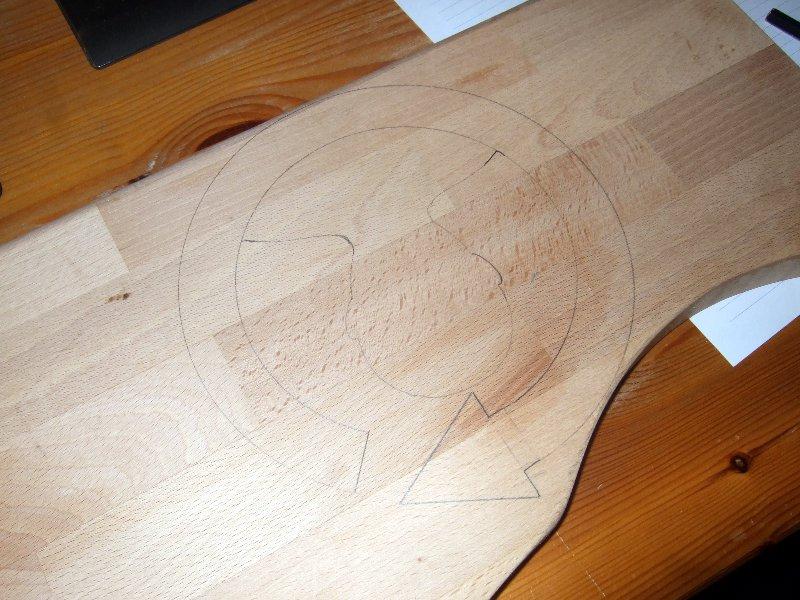 Logo auf Holz aufzeichnen und teilweise nachkonstruieren...