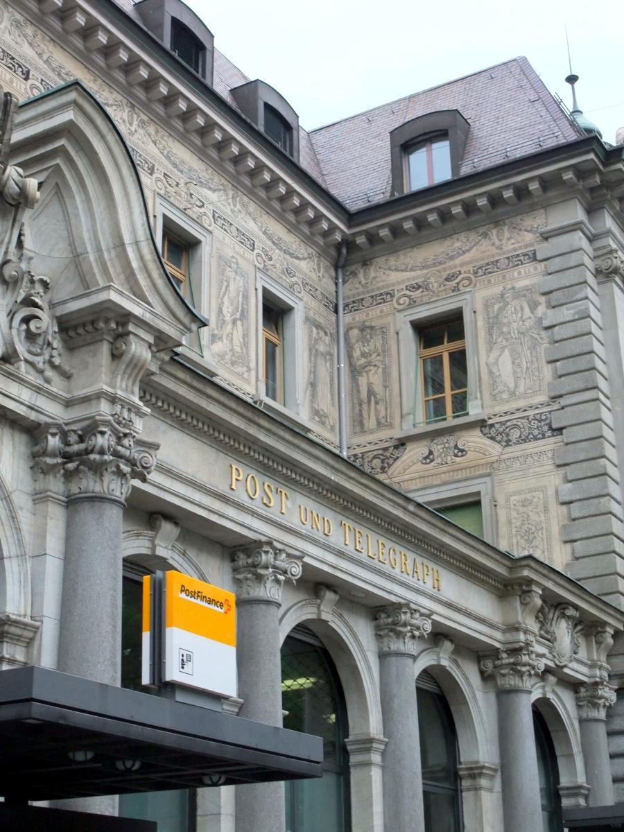 Chur, Post, alt und neu und jetzt auch mit Finanzdienstleistung.