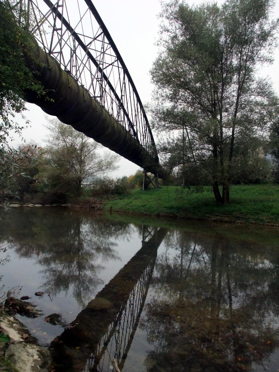 Eine Kanalüberführung über die Töss.