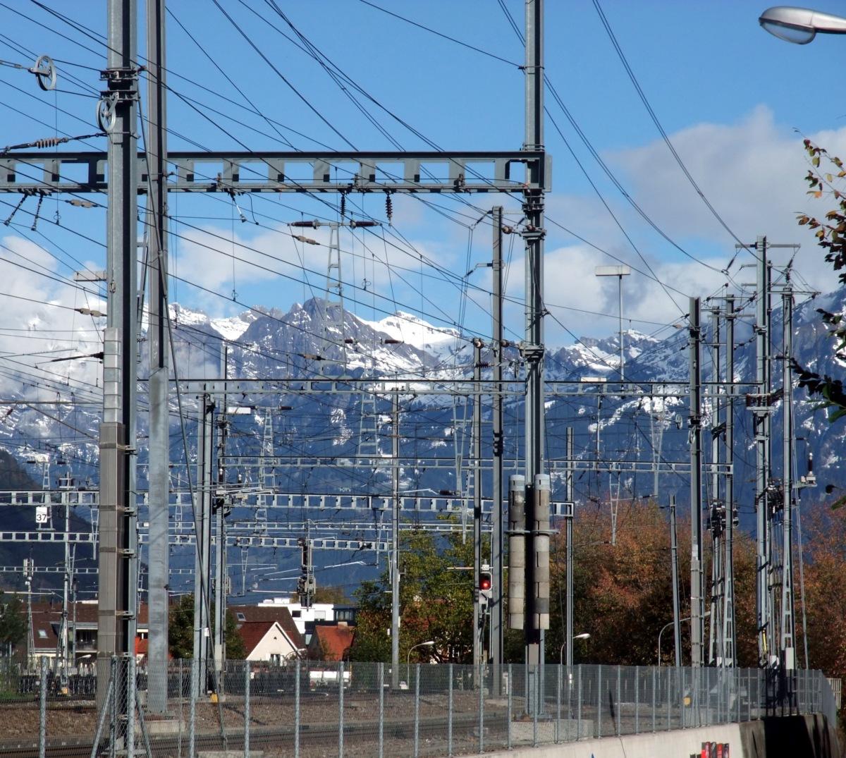 Verkabelte und verständerte Landschaft in Chur.