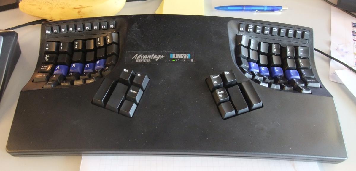 Teilweise umgerüstete Tastatur.