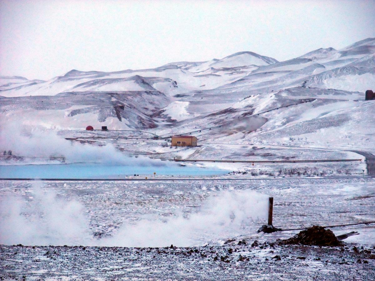 Überall Dampf, Schnee, Sturm und Geothermie.