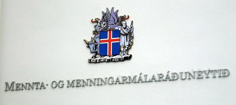 Schöne lange Worte, so wie auch Eyjafjallajökull.
