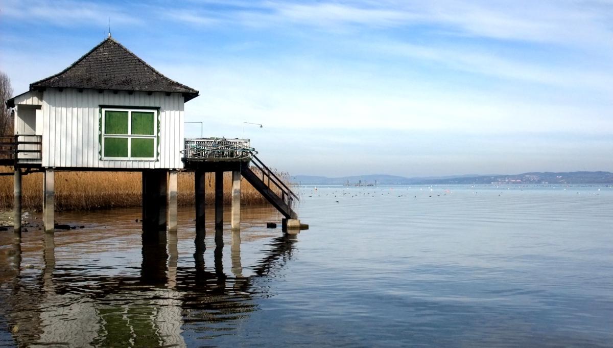 Der See hat vielleicht etwas weniger Wasser als sonst.