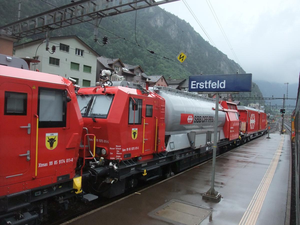 Noch vernebelt und regnerisch nördlich der Alpen.