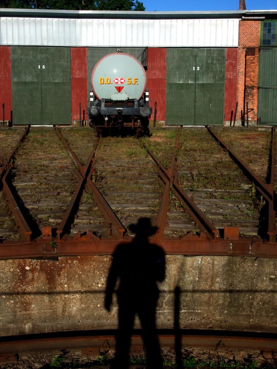 Alte Lokdrehscheibe an einer stillgelegten und inzwischen zum Veloweg mutierten Bahnstrecke.