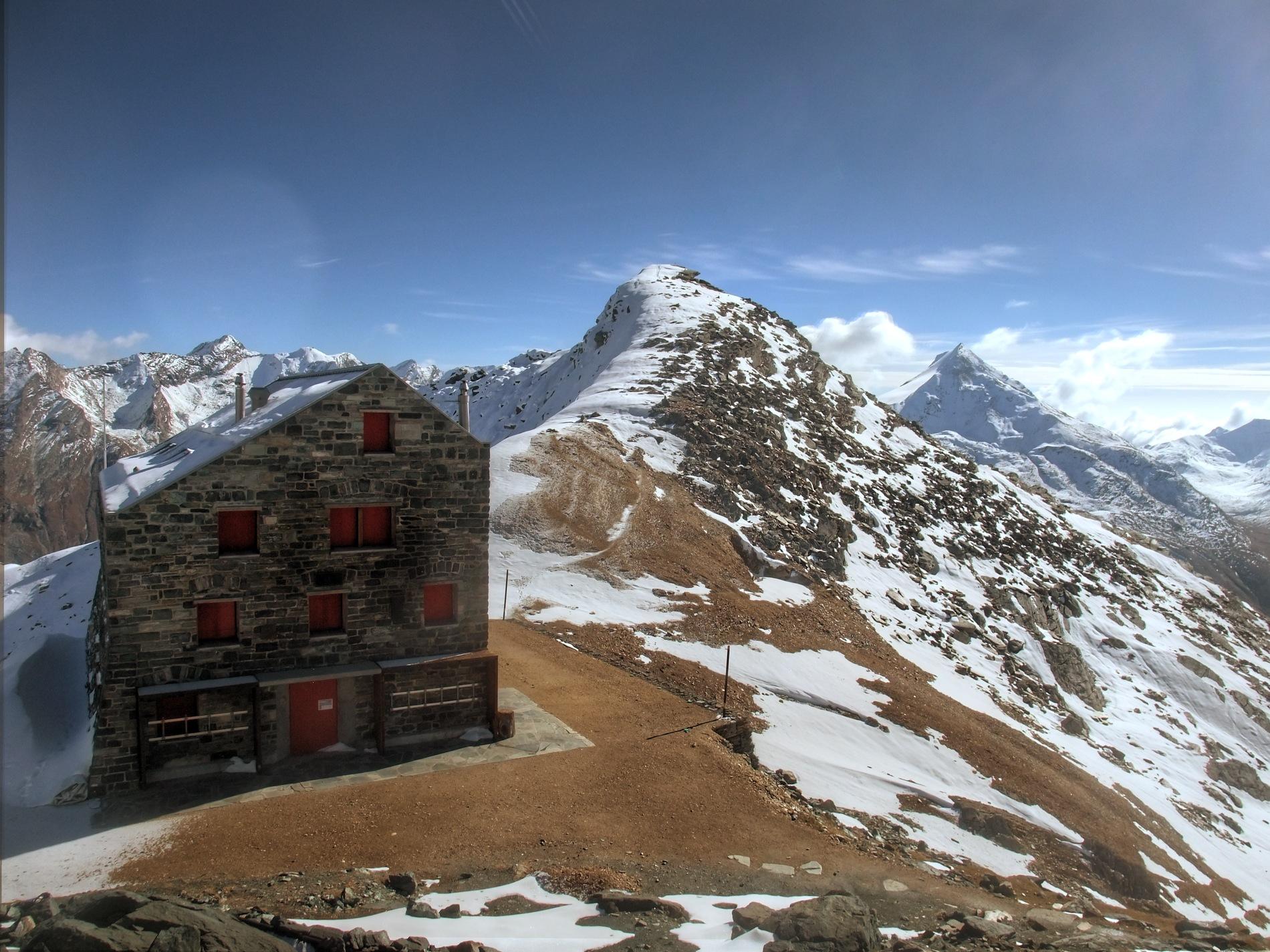 Britanniahütte auf 3030m