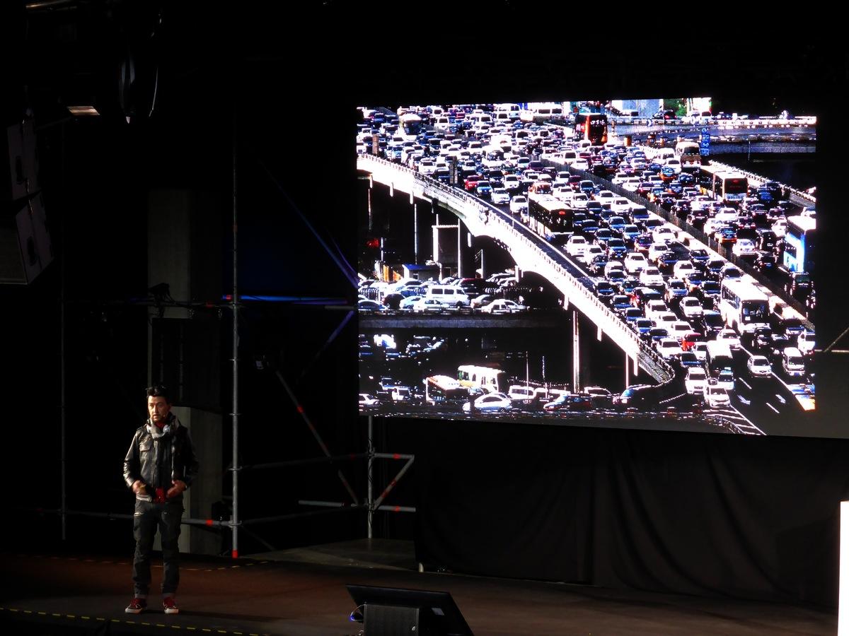 Hyperloop (das Problem mit den  vielen Autos da könnte man aber auch anders lösen)