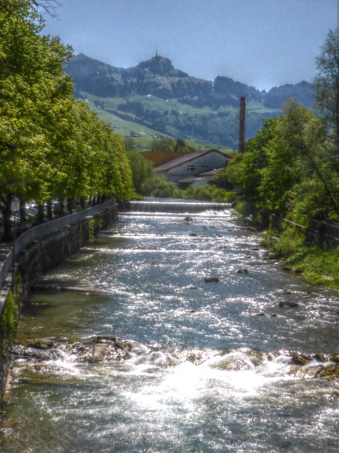 Die Sitter in Appenzell, hinten der Hohe Kasten.