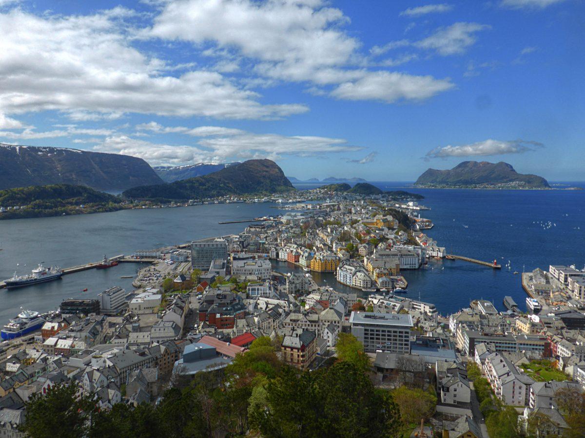 Bergen-Ålesund-Bergen