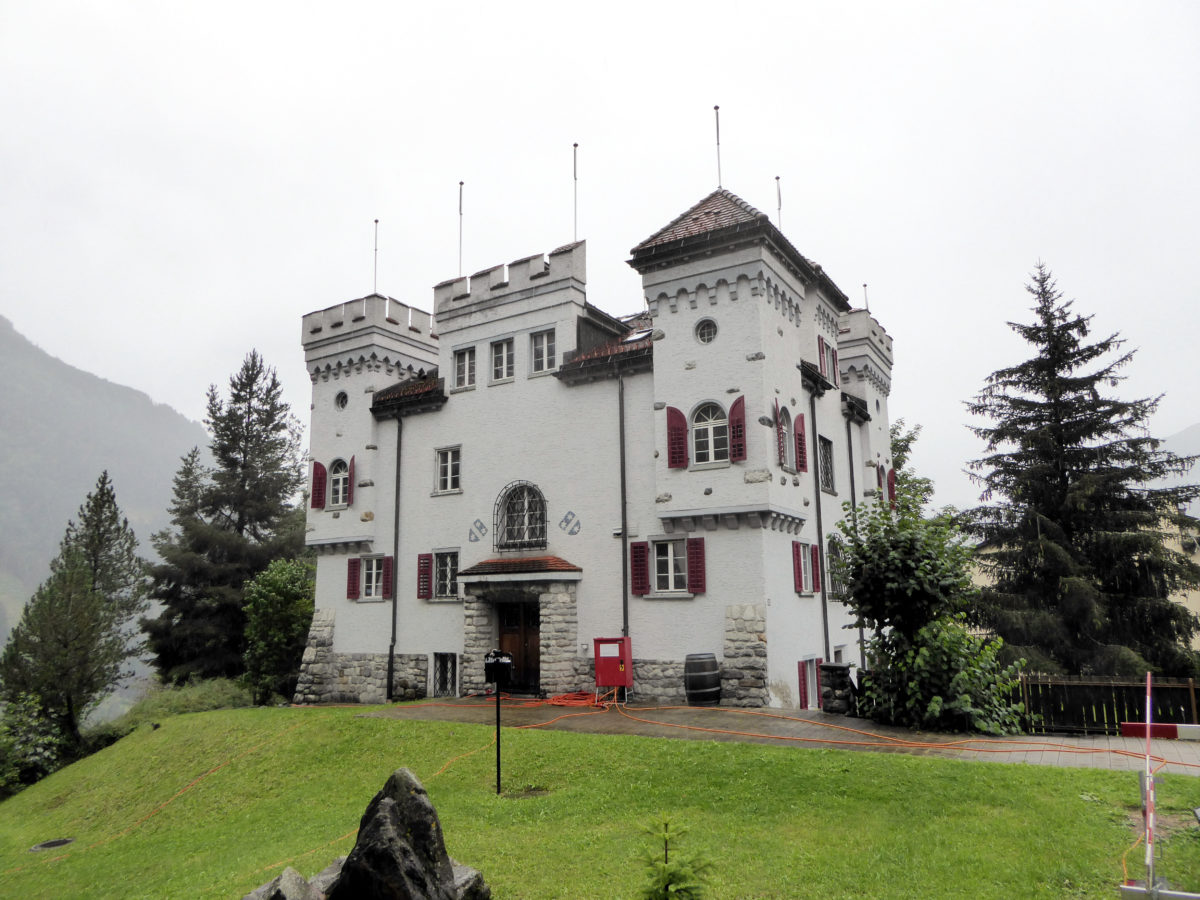Burgen statt Bahnhöfe